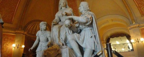 statue of Christopher Columbus and Queen Isabella will be removed from California's Capitol Rotunda